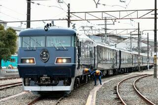 JR西、新列車「銀河」初公開