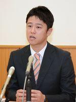 太良町長選に立候補する理由を説明した山口一生氏=藤津郡太良町内