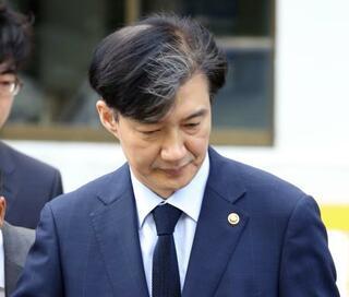 韓国検察、法相の娘を事情聴取
