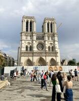 火災のあったパリのノートルダム大聖堂=4日(共同)