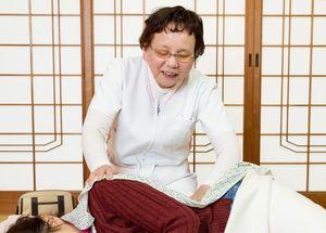40歳以上の女性を対象にした出張マッサージを起業する森きみ子さん=江北町