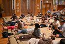 ござに座ってシネマ満喫 16日まで富士町古湯映画祭