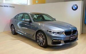 BMWが全面改良した「5シリーズ」=12日午後、東京都江東区