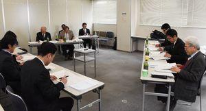 最終的な計画案をまとめた東名遺跡保存活用計画策定委員会=佐賀市役所