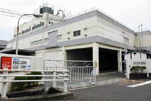 来年12月に閉鎖する九州グリコの佐賀工場=佐賀市神園
