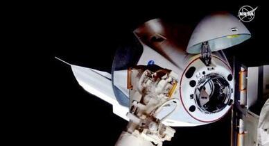 米、9年ぶり有人宇宙飛行成功