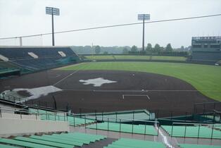 <プロ野球>西武-DeNA戦、雨…