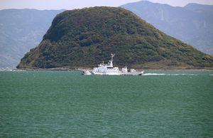 唐津湾をパトロール中の巡視船「まつうら」