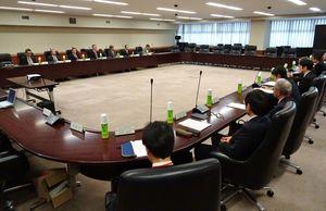 フリーゲージトレインの不具合対策について議論した技術評価委員会=東京・霞が関の国土交通省