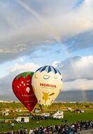 虹の下に気球「無心でシャッター」 最高賞に野口さん(柳川…