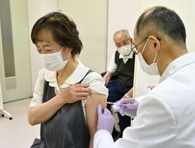 高齢者接種、初日は1139人