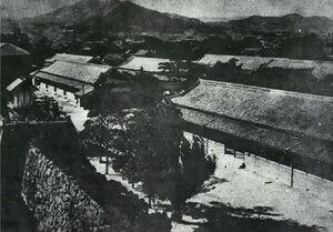 昭和初期の唐津小学校(西城内)=市提供