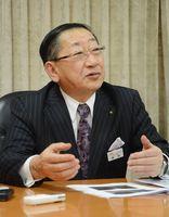 ダイヤ改正について理解を求めたJR九州の青柳俊彦社長=福岡市のJR九州本社