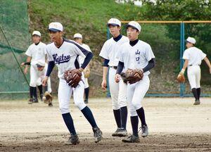 県立高校再編に伴い、鹿島・鹿島実・鹿島新の連合チームとして出場する鹿島。NHK杯では優勝を果たした=6月28日、鹿島市の鹿島高