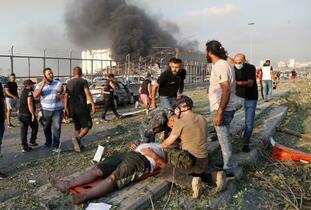 レバノンで爆発、78人死亡