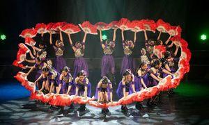 2月の第16回公演で熱演する子どもたち(キッズミュージカルTOSU提供)