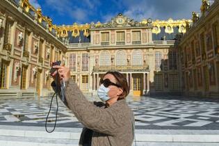 仏ベルサイユ宮殿が再開