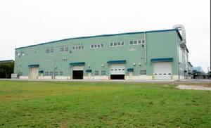 水陸機動団が運用する水陸両用車に対応する新整備工場=神埼郡吉野ヶ里町の目達原駐屯地