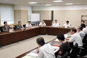 TPPなどの今後の対応を協議する佐賀県幹部ら=県庁