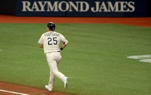 ヤンキースとの第2試合で走るレイズの筒香=8日、セントピーターズバーグ(ゲッティ=共同)