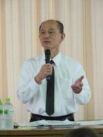 学童保育について講演する真田祐さん