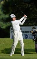 男子70歳以上の部 初日4位から逆転優勝を飾った武部周清(若木GC)=花祭ゴルフ倶楽部