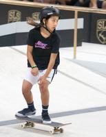 スケートボード・ストリートの世界選手権で演技を披露する織田夢海=リオデジャネイロ(共同)