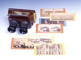 尚芳も欧州土産に持ち帰ったとみられるステレオビュー(左上)とステレオ写真。ステレオビューに写真を入れてのぞくと立体的に見える