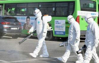 韓国の感染者、日本上回る
