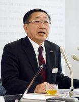JR佐賀駅前の再開発、赤字路線の合理化について考えを述べた青柳俊彦社長=福岡市のJR九州本社