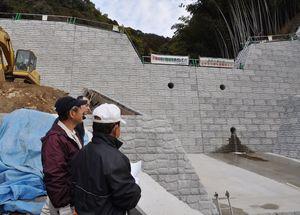 吉野ヶ里町永山地区に完成した砂防ダム=平成24年1月、吉野ヶ里町