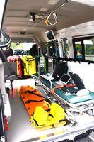 衛星電話などを装備した伊万里有田共立病院のDMAT専用車両