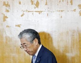 竹田氏「任期後退任」に疑問の声