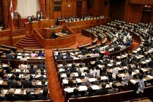 カジノ法が成立、内閣不信任否決