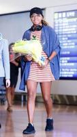 テニスの全米オープン女子シングルスで初優勝し帰国した大坂なおみ選手=13日午前4時29分、羽田空港