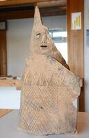 県内で初めて見つかった「盾持人埴輪」