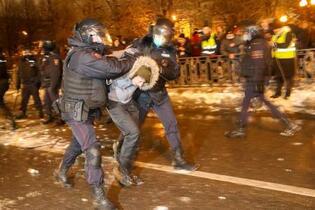 ロシア、抗議デモで3千人超拘束