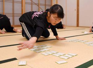 佐賀県内の小学生で唯一C級の高島冴月さん=佐賀市の神野公民館