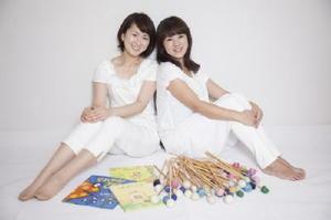 hahaの増田さおりさん(左)と香椎愛子さん