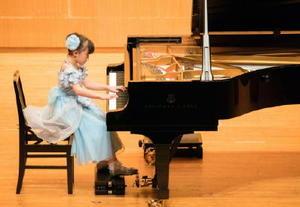 293人が本選に臨んだ九州新聞社ピアノコンクール=福岡市南区の福岡女学院ギール記念講堂