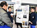 空港で観光客に地元の魅力PR 南川副小6年生