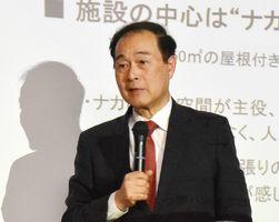 市民協働について語る森民夫・前長岡市長=唐津市の大手口センタービル
