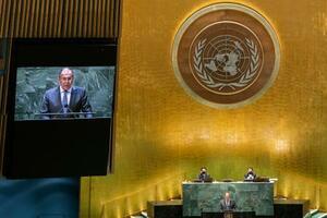 国連総会で一般討論演説を行うロシアのラブロフ外相=25日、ニューヨーク(エドゥアルド・ムニョス氏提供・AP=共同)