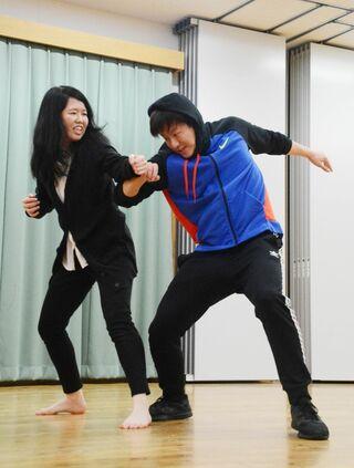 """ダンスやアクションで魅了 佐賀さわげ """"2.5次元舞台"""""""