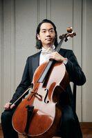 チェリストの笹沼樹さん(提供写真)