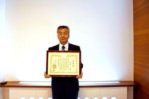 土木学会から技術功労賞を受けた九州構造設計の宮副専務