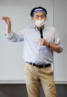 県産農作物のブランド力向上について語る江口慎一さん=佐賀市のアバンセ