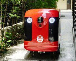 日本郵便が実証実験に使用する配送ロボット