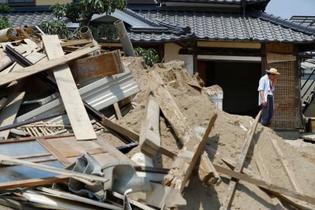 西日本豪雨、窒息・溺死が7割超