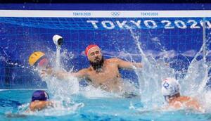 日本―イタリア 第4ピリオド、ペナルティースローを決められるGK棚村=東京辰巳国際水泳場